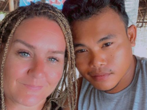Bạn gái có thai sau khi đi du lịch, chàng trai 9 lần bị cấm nhập cảnh khi cố về với 2 mẹ con, lần thứ 10 mới vỡ òa - Ảnh 2.