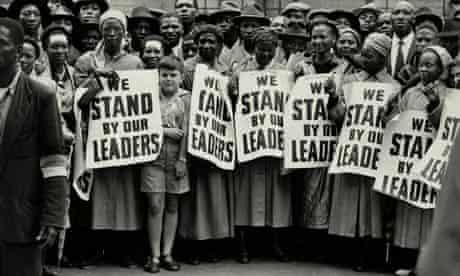 Cựu Tổng thống nộp mình cho cảnh sát, Nam Phi chìm trong bạo loạn lớn nhất hậu Apartheid  - Ảnh 3.