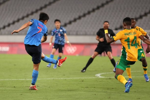 Messi Nhật Bản rực sáng với siêu phẩm, cứu rỗi chủ nhà Olympic trong trận đấu nhọc nhằn - Ảnh 3.
