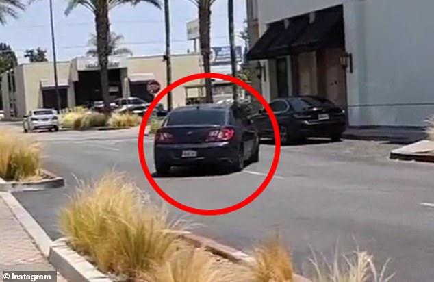 2 kẻ cắp ngang nhiên ôm 1 đống đồ ra khỏi cửa hàng mà không bị ai giữ lại, hé lộ thực trạng đáng sợ tại Mỹ - Ảnh 5.