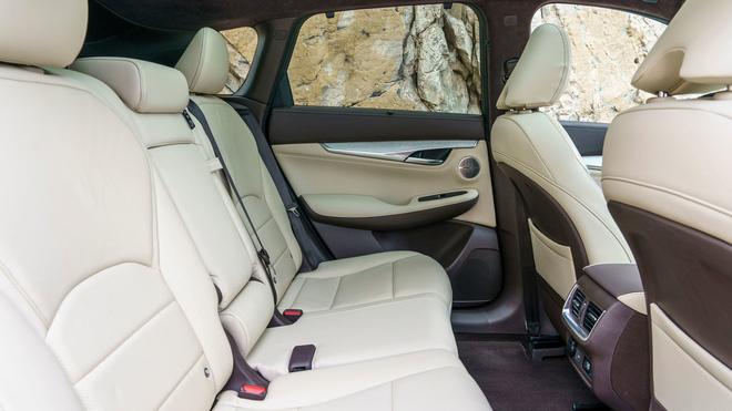 Nhìn lại loạt xe Infiniti từng bán tại Việt Nam: Đấu Mercedes và Lexus nhưng số phận hẩm hiu, nội thất nhàm chán - Ảnh 5.