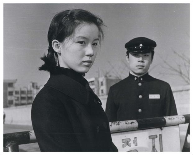 Không phải Son Ye Jin, đây mới là tình đầu quốc dân đời đầu xứ Hàn: Gia tài phim siêu khủng, U70 vẫn đẹp rạng ngời - Ảnh 4.