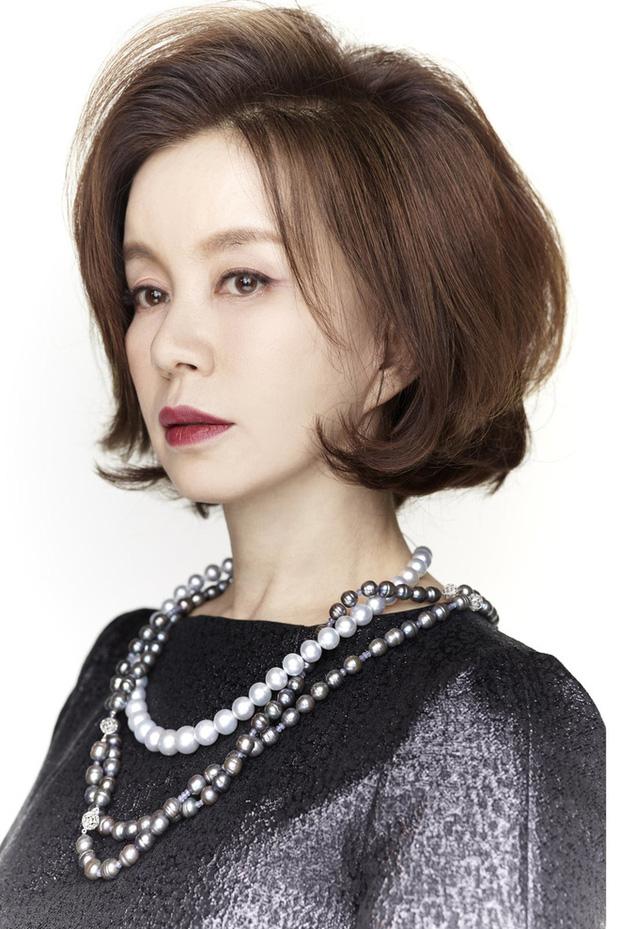 Không phải Son Ye Jin, đây mới là tình đầu quốc dân đời đầu xứ Hàn: Gia tài phim siêu khủng, U70 vẫn đẹp rạng ngời - Ảnh 9.