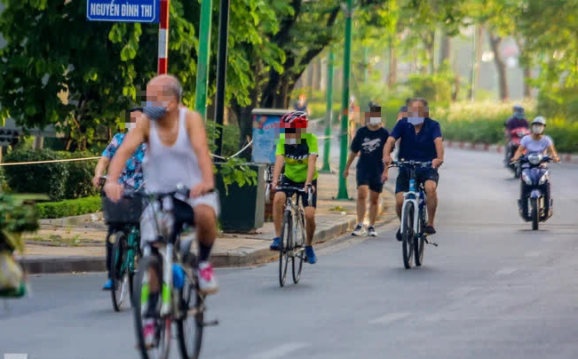 F0 tập thể dục, đạp xe quanh nhiều phố, vườn ở Hồ Tây, Hà Nội khẩn tìm người liên quan