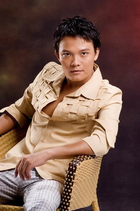 Xuân Lan đang diễn, Hữu Châu quay xuống xin lỗi khán giả, Thanh Phương chửi thẳng mặt - Ảnh 4.