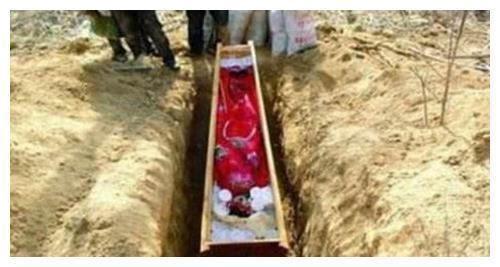 Ngôi mộ bé gái 5 tuổi được khai quật ở Sơn Đông cùng chiếc áo cưới đính vàng, các chuyên gia hét lên sau khi danh phận cô bé được xác nhận! - Ảnh 2.
