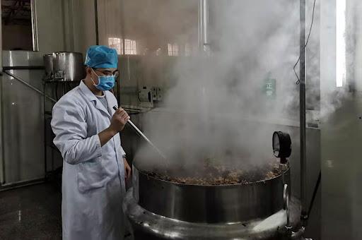 Bài thuốc Đông Nam dược phòng chống Covid-19 được Trung Quốc sử dụng rộng rãi nhất - Ảnh 1.