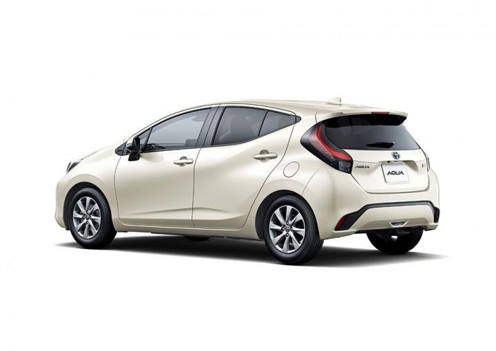 Toyota trang bị gì cho mẫu xe 400 triệu, uống ít xăng đáng kinh ngạc 2,79 lít/100 km? - Ảnh 10.