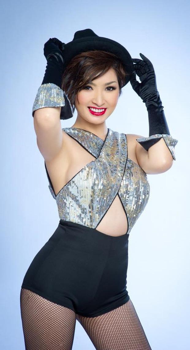 Nhan sắc thời trẻ của Nguyễn Hồng Nhung - nữ ca sĩ khổ sở vì scandal lộ clip nóng - Ảnh 4.
