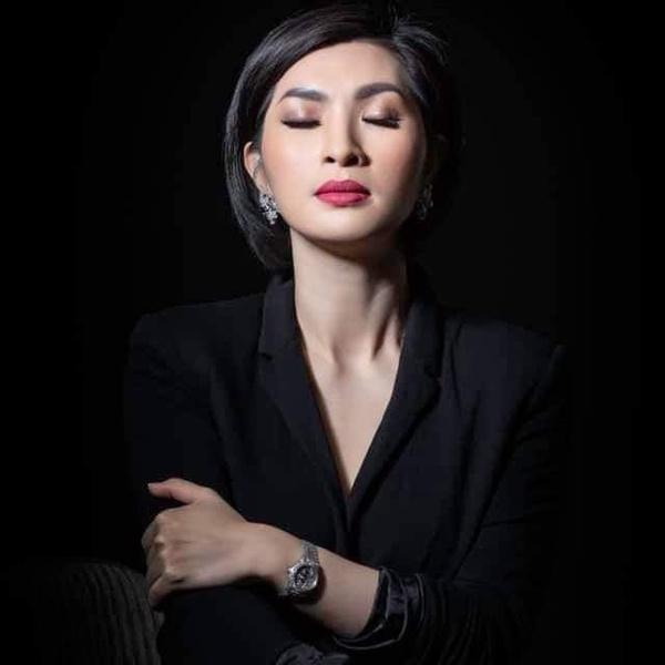 Nguyễn Hồng Nhung: Khán giả bỏ về, có người còn dí tấm hình nóng trước mặt tôi xem có đúng là tôi không - Ảnh 3.