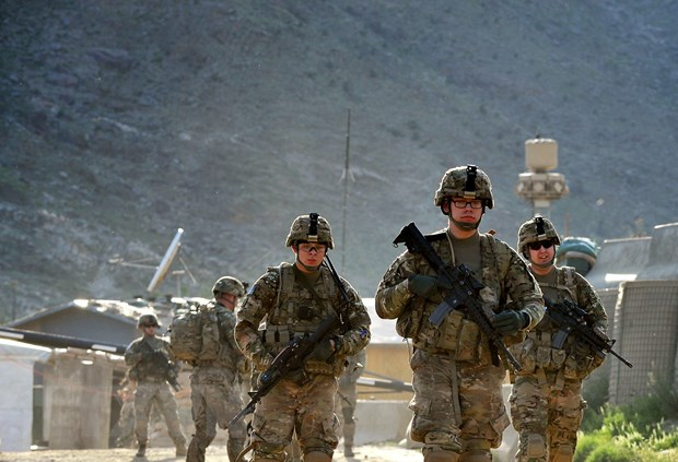 NÓNG: Kyrgyzstan và Tajikistan đột ngột giao tranh ở biên giới - Lò lửa Trung Á bùng nổ nguy hiểm - Ảnh 1.