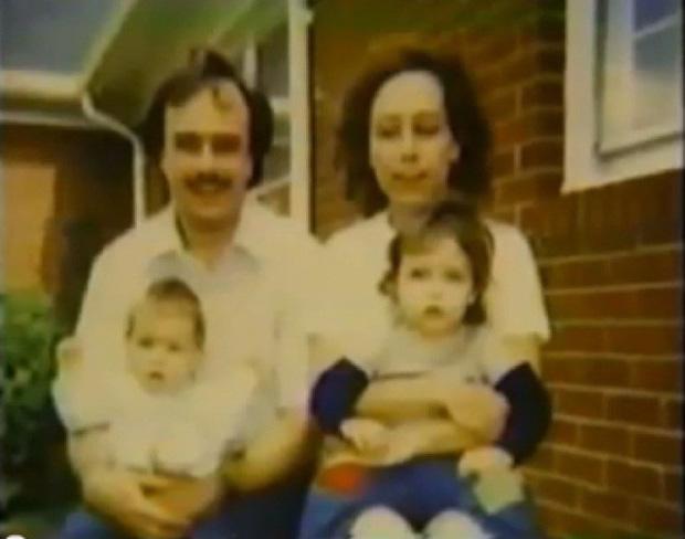 Không sinh được con, cặp vợ chồng nhận 2 đứa trẻ về nuôi rồi nhanh chóng nhận ra sự thật kinh khủng, phải cầu cứu sự giúp đỡ - Ảnh 1.