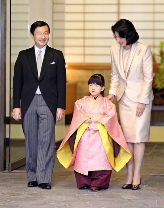 Tại sao tất cả các thành viên hoàng gia Nhật Bản chỉ có tên mà không có họ? - Ảnh 3.