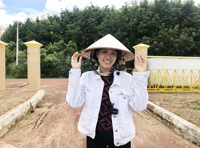 Hoa hậu đông con nhất Việt Nam, từng gây xôn xao khi cạo trọc đầu giờ ra sao? - Ảnh 6.