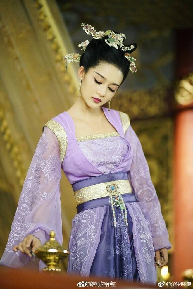 10 ác nữ ấn tượng trên màn ảnh Hoa ngữ: Triệu Lệ Dĩnh hiểm độc đến mấy cũng không gây ức chế bằng trùm cuối - Ảnh 25.