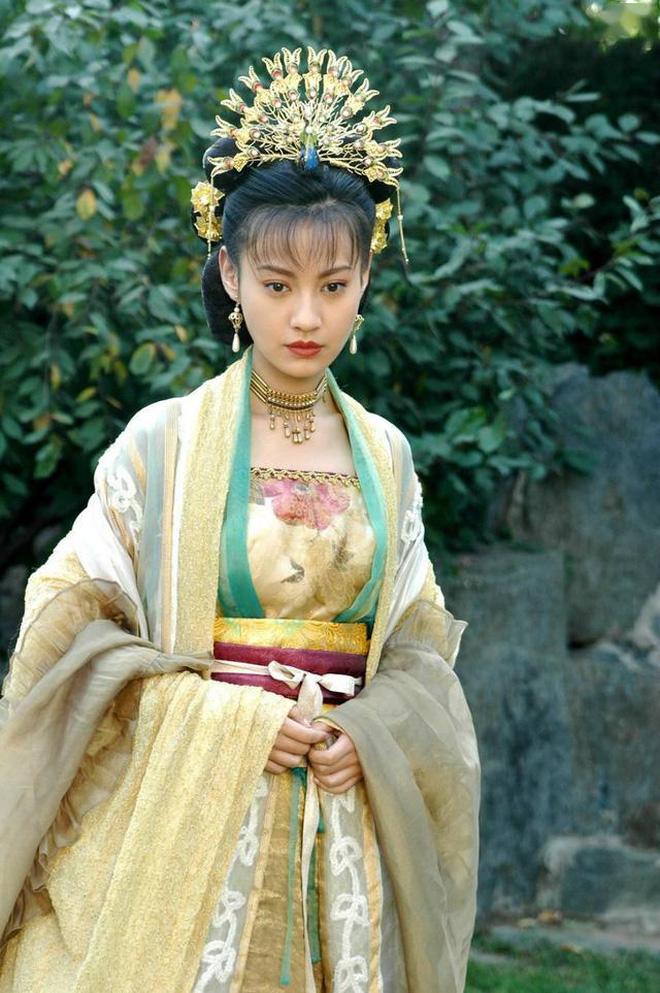10 ác nữ ấn tượng trên màn ảnh Hoa ngữ: Triệu Lệ Dĩnh hiểm độc đến mấy cũng không gây ức chế bằng trùm cuối - Ảnh 33.