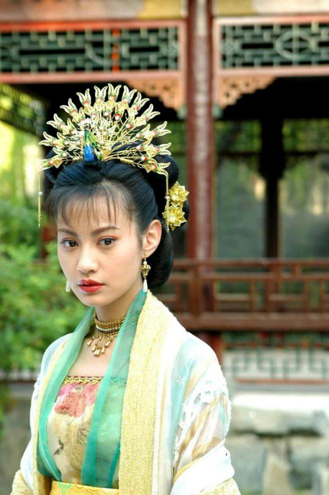 10 ác nữ ấn tượng trên màn ảnh Hoa ngữ: Triệu Lệ Dĩnh hiểm độc đến mấy cũng không gây ức chế bằng trùm cuối - Ảnh 34.
