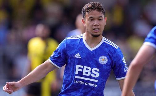 Tuyển thủ Thái Lan đá hỏng luân lưu, khiến đội bóng Premier League thua đau CLB hạng dưới