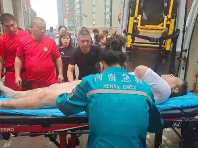 Uống nước bẩn 3 ngày 3 đêm vì bị mắc kẹt dưới hầm ngập nước sau trận lũ thảm khốc, người đàn ông đã hồi sinh ngoạn mục gây bão MXH - Ảnh 7.
