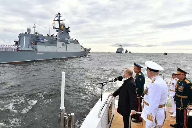 Báo Trung Quốc: Phương Tây chọc giận TT Putin một cách vô ích, Nga đã chứng minh hải quân hùng mạnh - Ảnh 1.