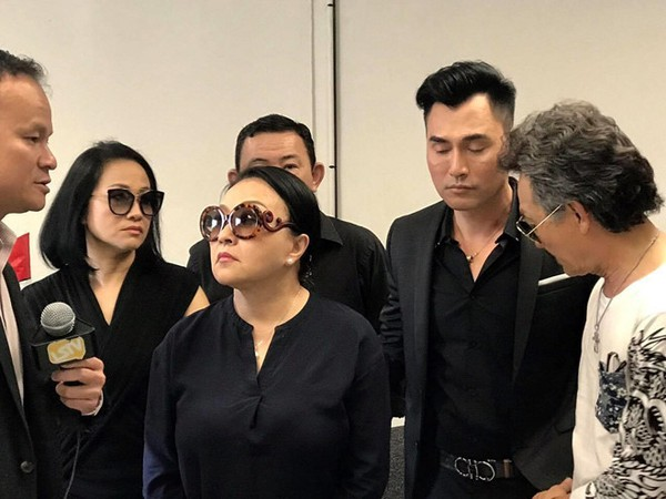 Leon Vũ không hát được tiếng Việt, Hương Lan bắt cầm bản nhạc đọc đi đọc lại - Ảnh 4.