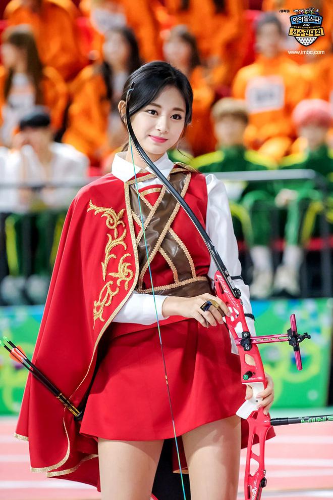 Trăm nghìn người phát sốt vì 1 nữ thần bắn cung đẹp như tiên tử đang náo loạn Olympic, ai dè phải bật ngửa khi biết danh tính - Ảnh 11.