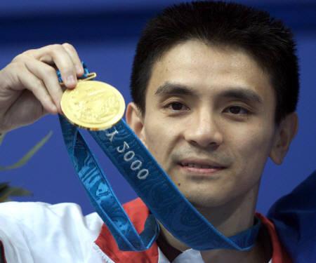 Phát hiện nhà vô địch nhảy cầu Olympic từng đóng Tây Du Ký, còn gặp tai nạn phim trường suýt bỏ mạng? - Ảnh 4.