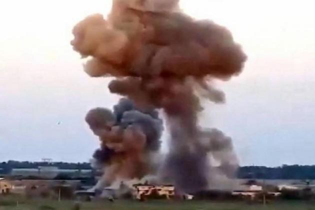 Đạn pháo bất ngờ tới tấp nã xuống sở chỉ huy đầu não Quân đội Ukraine - TT Putin tuyên bố một câu, tất cả kẻ thù của Nga run sợ! - Ảnh 1.