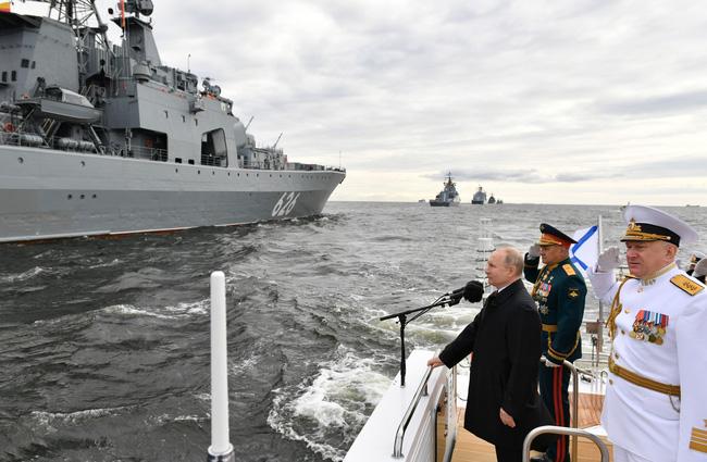 7 ngày rúng động thế giới: Những tinh hoa quân sự Nga khuynh đảo toàn cầu - Ảnh 4.