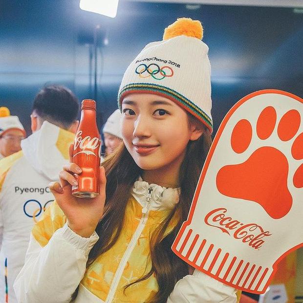 1 nữ thần xứ Hàn từng náo loạn lễ rước đuốc Olympic 2018: Đẹp ngây ngất giữa đoàn diễu hành, chấp ống kính phóng viên zoom sát - Ảnh 9.