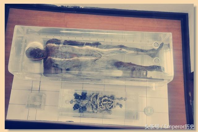 Bí ẩn xác ướp nam giới từ thời Tây Hán, sau khi khai quật đã khiến các nhà khảo cổ mắc căn bệnh lạ - Ảnh 2.