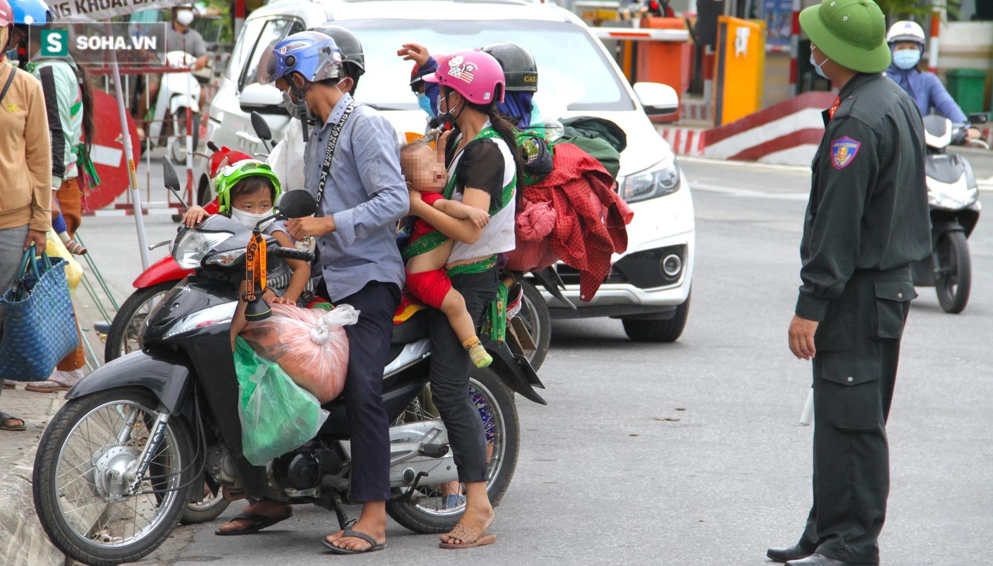 Chạy xe máy 4 ngày đêm từ miền Nam về quê trốn dịch: Lương cao nhưng dịch sợ quá nên em đưa vợ con về - Ảnh 8.