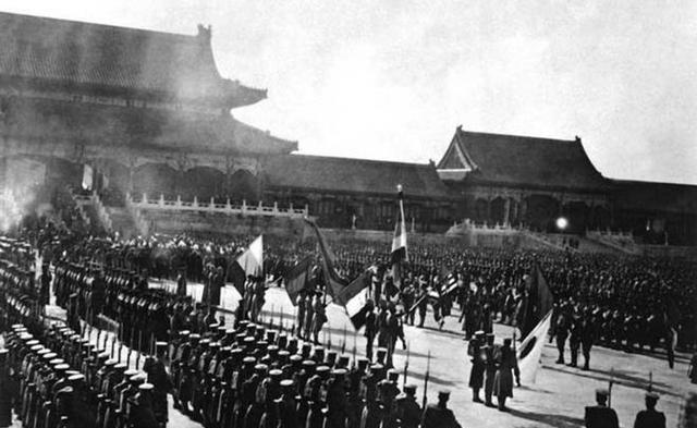 Kẻ thù càng yếu càng dễ thôn tính, vậy tại sao khi Từ Hi phế truất Quang Tự đế, các nước phương Tây lại tranh nhau phản đối? - Ảnh 5.