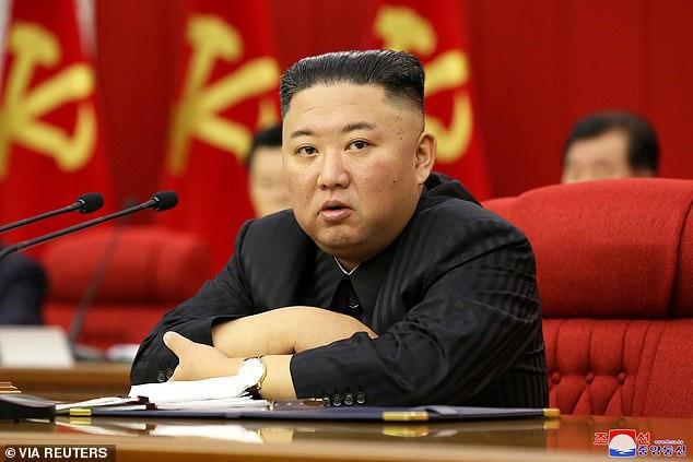 Báo phương Tây đồn ông Kim Jong-un tiếp tục giảm cân vì 'gầy đi trông thấy'  - Ảnh 6.