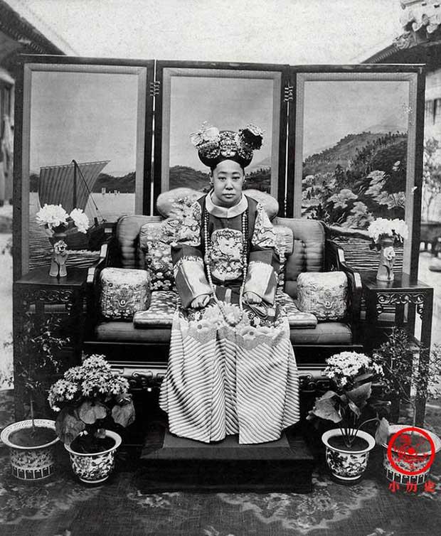 Hậu cung của Hoàng đế Quang Tự: Hoàng hậu lưng gù, phi tần mũm mĩm - Ảnh 7.