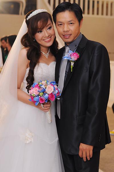 Thái Hòa sau ly hôn Cát Phượng: Xót xa vì con thiếu hạnh phúc, viên mãn bên vợ kém 11 tuổi - Ảnh 4.