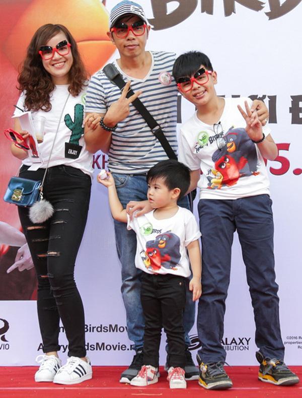 Thái Hòa sau ly hôn Cát Phượng: Xót xa vì con thiếu hạnh phúc, viên mãn bên vợ kém 11 tuổi - Ảnh 3.