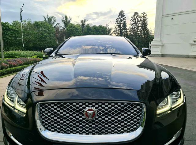 Mới chạy 30.000km, đại gia bán Jaguar XJL kèm tiết lộ về khoản khấu hao lên tới 3,3 tỷ đồng - Ảnh 2.