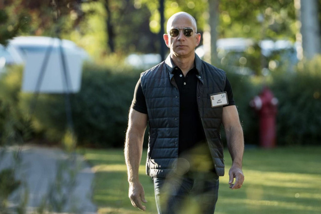 Cựu trợ lý Jeff Bezos kể về sếp cũ: Ông ấy như chú cún con, chạy lòng vòng và không bao giờ thấy mệt - Ảnh 1.