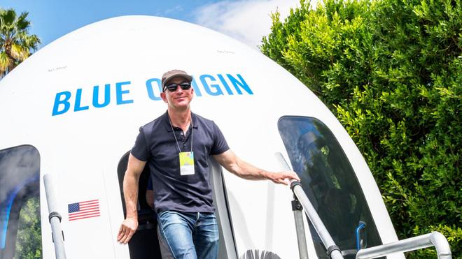 Cựu trợ lý Jeff Bezos kể về sếp cũ: Ông ấy như chú cún con, chạy lòng vòng và không bao giờ thấy mệt - Ảnh 2.