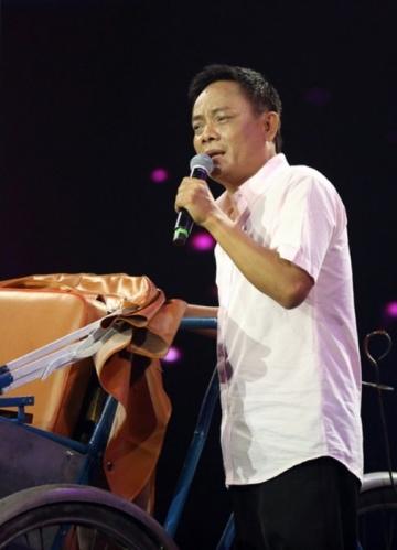 Nghệ sĩ Tấn Hoàng: Cộng đồng mạng yêu cầu tôi xin lỗi Hoài Linh nên tôi phải xin lỗi - Ảnh 4.