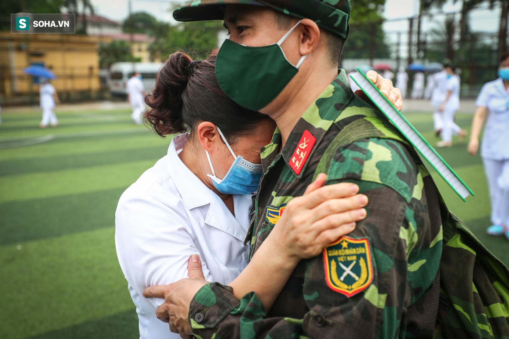Khoảnh khắc xúc động của 130 y bác sĩ lên đường chi viện cho miền Nam chống dịch - Ảnh 9.