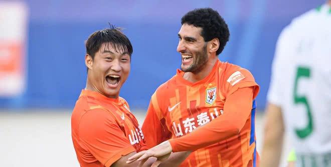 Cựu sao Man United vô tình giúp đội tuyển Trung Quốc có vũ khí làm đau đầu HLV Park Hang-seo - Ảnh 3.