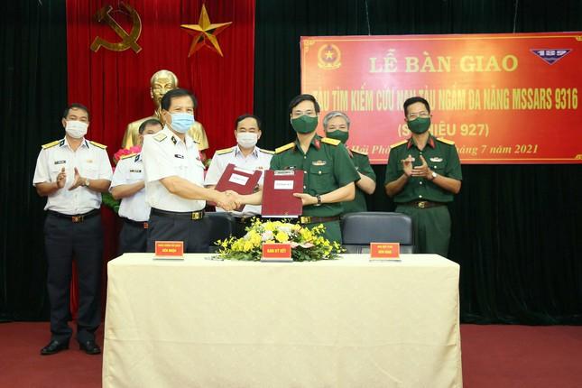 Tàu tìm kiếm cứu nạn tàu ngầm của Việt Nam đặc biệt thế nào? - Ảnh 2.