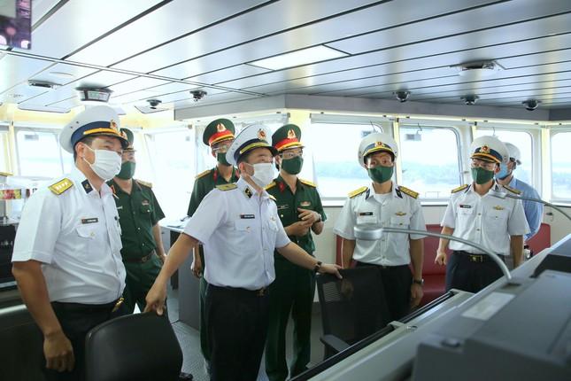 Tàu tìm kiếm cứu nạn tàu ngầm của Việt Nam đặc biệt thế nào? - Ảnh 4.