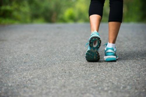 Người bệnh tim mạch cần chú ý gì khi tập luyện? - Ảnh 2.