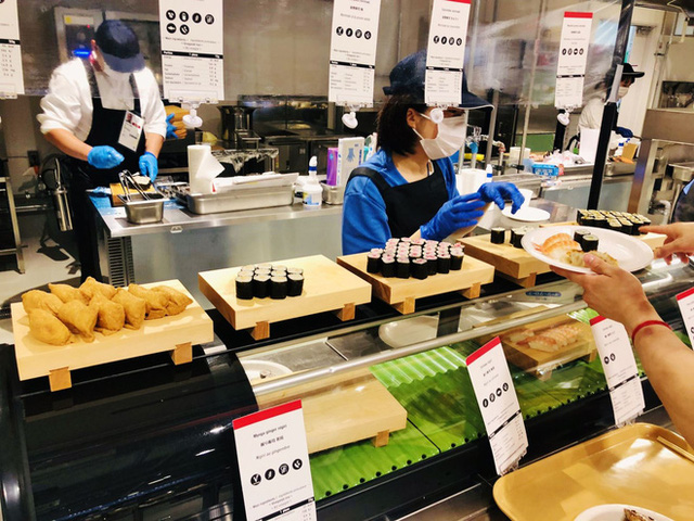 Hé lộ bữa ăn người Nhật đãi các VĐV Olympic: Ngày nào cũng 700 món, có cả phở bò Việt Nam - Ảnh 13.
