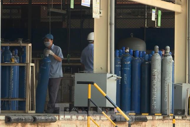 Cận cảnh nhà máy sản xuất oxy y tế khổng lồ phục vụ bệnh viện điều trị COVID-19 - Ảnh 6.