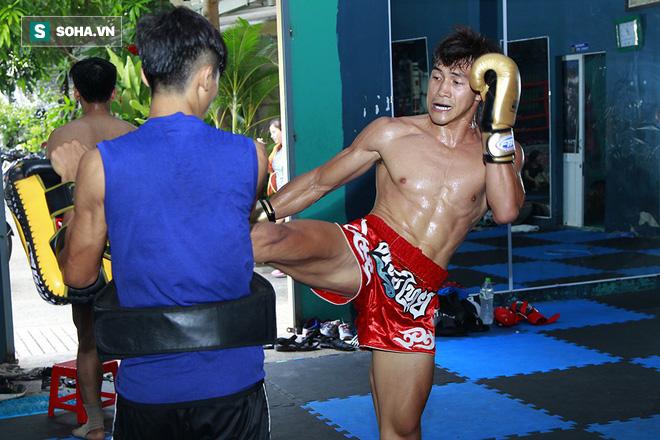 Cao thủ Việt Nam tiết lộ bí kíp hạ gục đấu sĩ Campuchia ở môn võ khốc liệt hơn cả MMA - Ảnh 2.
