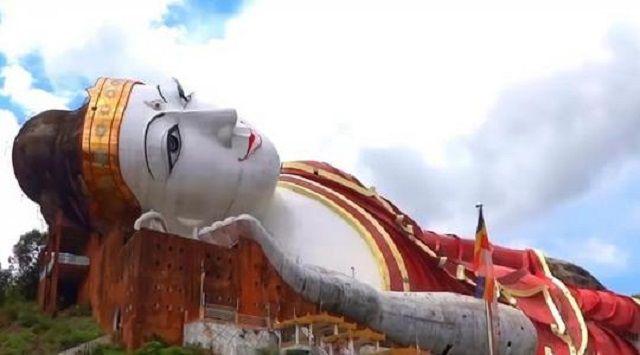 Tượng Phật nằm lớn nhất thế giới ẩn mình trong khu rừng rậm, hương khói nghi ngút nhưng không ai dám to gan đến gần: Vì sao? - Ảnh 2.